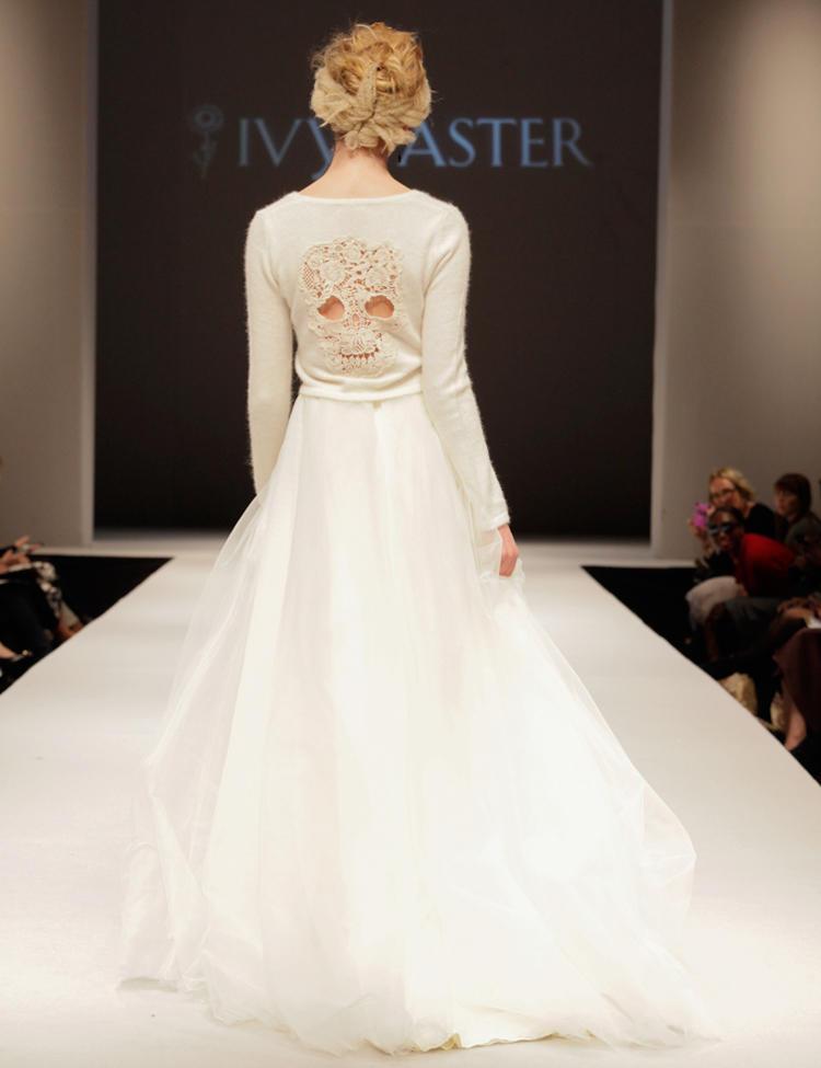 story crazy ways brides found wedding dress