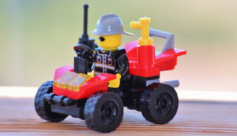 Lego - 25 Surprising Steps to Success - Miratico