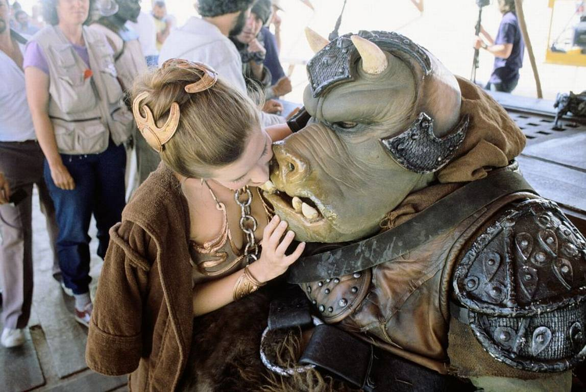 Leia and the Gamorrean guard