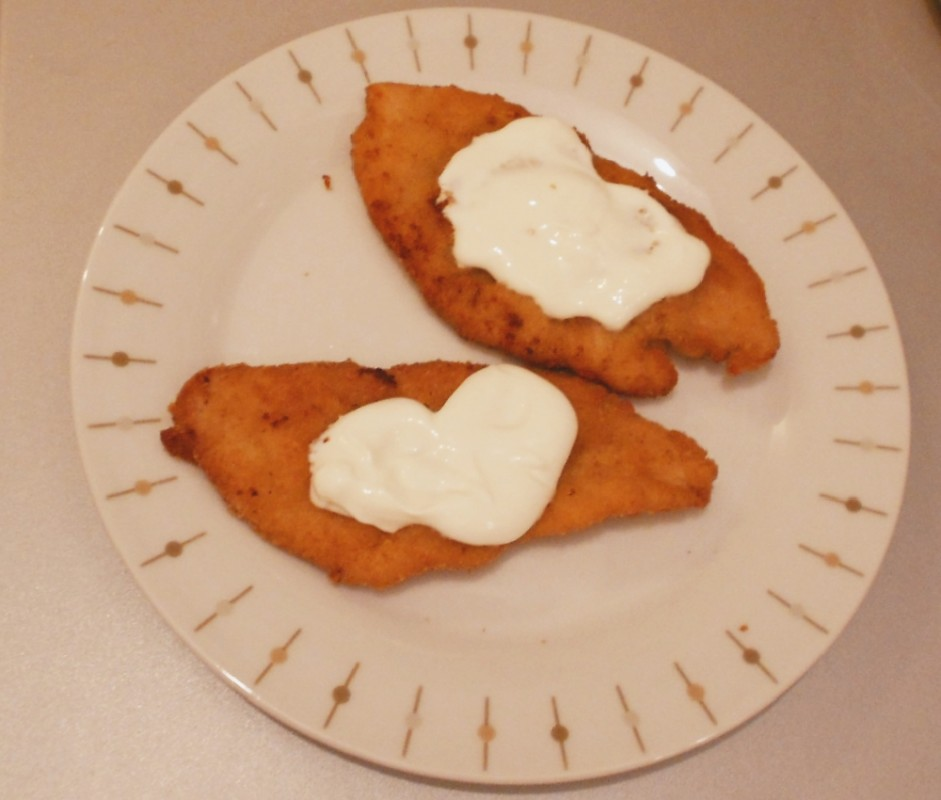 Schnitzel with sour cream