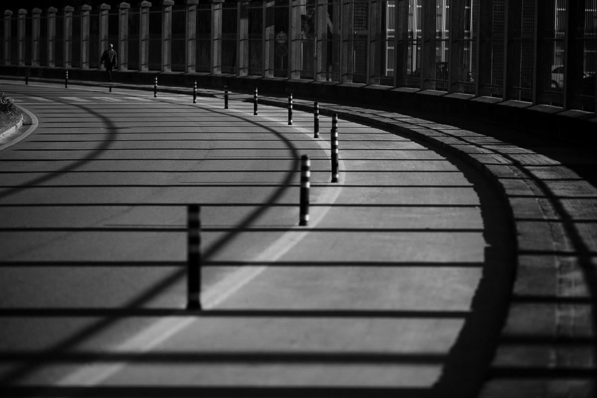 Shadows aligned
