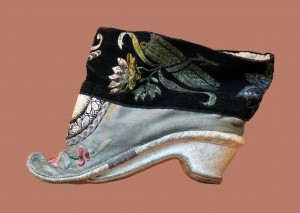 XVIIIth century lotus shoes