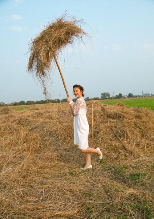 Bride with hay