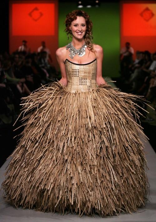 A bride with a haystack