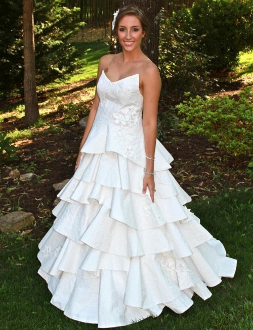 Toilet paper wedding dress 2