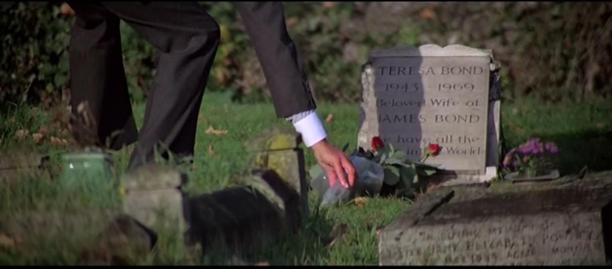 Tracy Bond's Grave